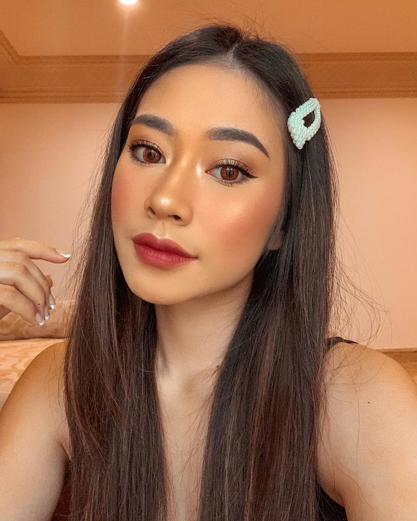 Beauty Influencer Terkenal Claudia Novira