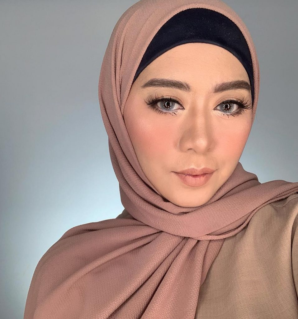 Beauty Influencer Terkenal Ini Vindy