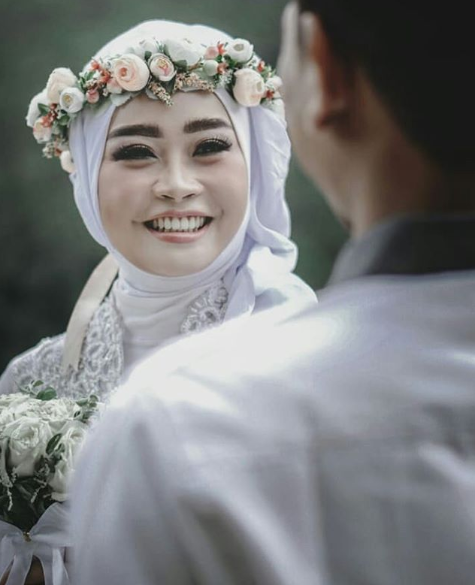 Make Up Artist Yogyakarta Happy Subagyo